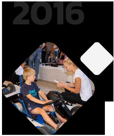 Electric go-karts blue shock race 2016